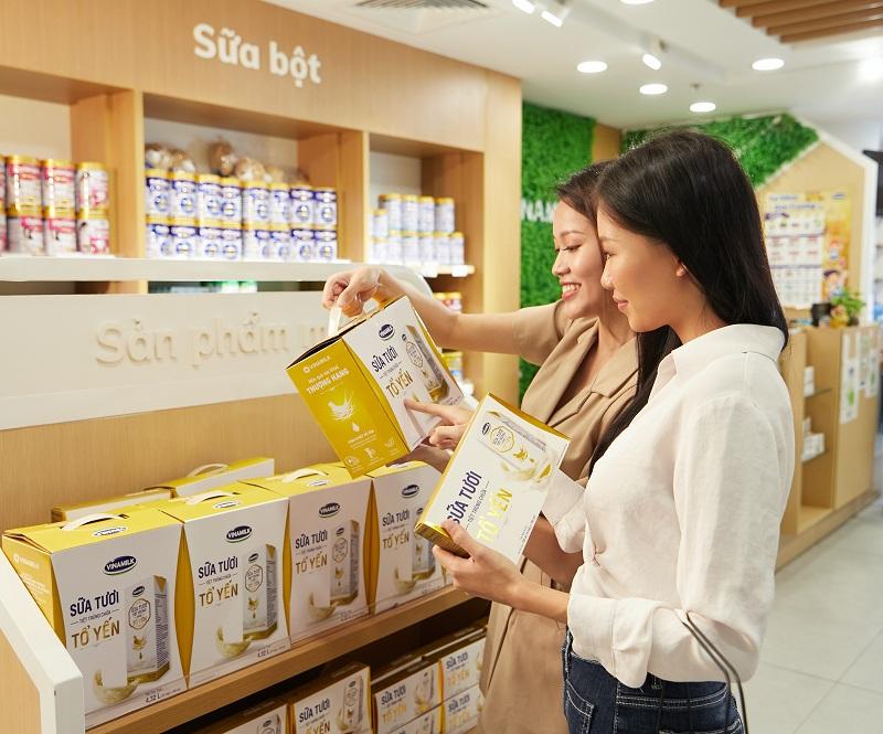 Vinamilk cũng là thương hiệu sữa được người tiêu dùng Việt Nam chọn mua nhiều nhất trong 8 năm liền