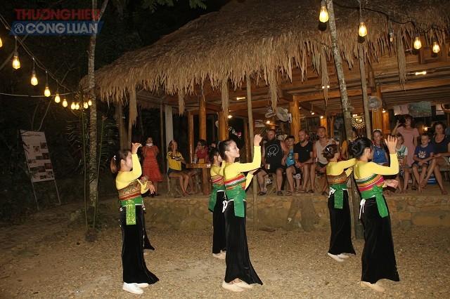 Phát triển du lịch cộng đồng tại Pù Luông, huyện Bá Thước