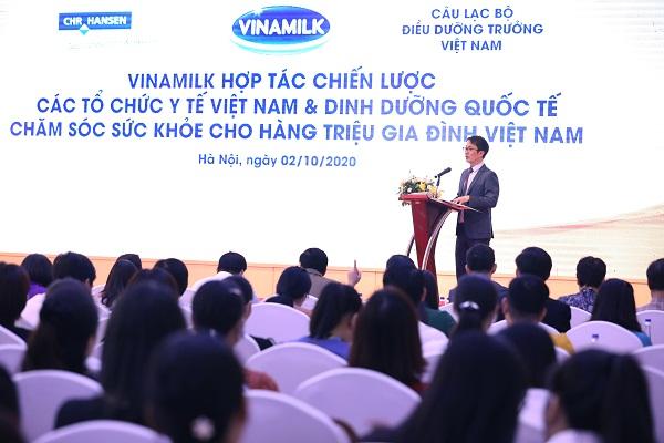 Ông Phan Minh Tiên đại diện Công ty Vinamilk phát biểu tại buổi lễ ký kết
