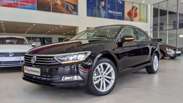 Volkswagen Passat BlueMotion High khi được chính hãng hỗ trợ 100% phí trước bạ tương đương 177,6 triệu đồng.