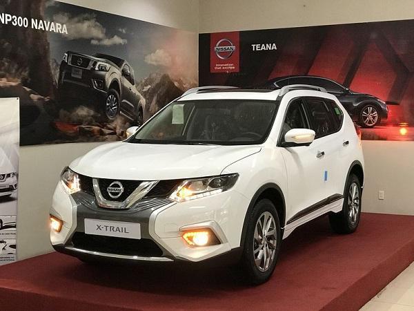 hiều đại lý Nissan trên toàn quốc đang đồng loạt chào bán mẫu X-Trail với mức giảm kỷ lục