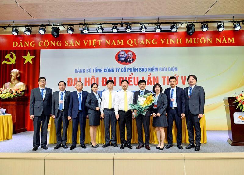 Lãnh đạo Tổng công ty Bưu điện Việt Nam chúc mừng Ban chấp hành Đảng bộ PTI nhiệm kỳ 2020-2025