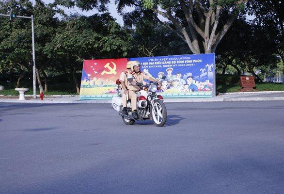 Bảo trật tự an toàn giao thông (ATGT) phục vụ Đại hội đại biểu Đảng bộ tỉnh Vĩnh Phúc lần thứ XVII
