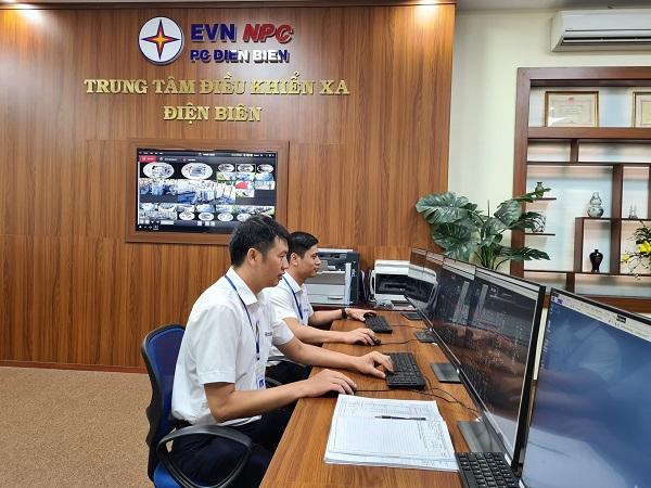 Hoạt động điều hành tại Trung tâm điều khiển xa Công ty Ðiện lực Ðiện Biên.