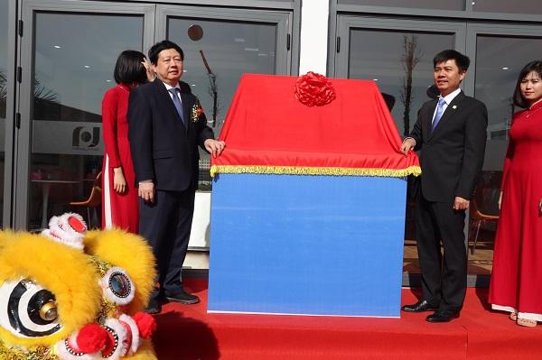 Chủ tịch UBND tỉnh Hải Dương  tới dự lễ khai trương căn hộ mẫu tại tổ hợp chung cư Bạch Đằng Lake View