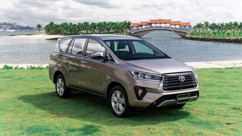 Toyota Innova sở hữu thiết kế ngoại thất tinh tế đầy mạnh mẽ nhằm hướng tới chinh phục nhóm khách hàng trẻ năng động