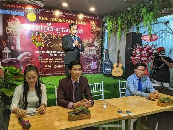 Ông Nguyễn Văn Phước, Giám đốc Công ty Văn hoá sáng tạo FirstNews - Trí Việt, Phát biểu tại buổi lễ khai trương