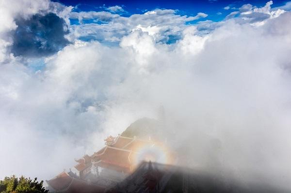 Hiện tượng Phật hiển linh tại Kim Sơn Bảo Thắng Tự (Ảnh: TÔ BÁ HIẾU)