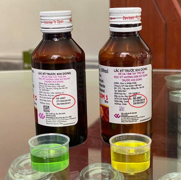 Cùng là sản phẩm thuốc OLESOM S với số lô SE-2697 (NSX: 27/9/2018; HSD: 26/9/2021) nhưng khi đổ ra dung dịch siro lại là 2 màu khác nhau