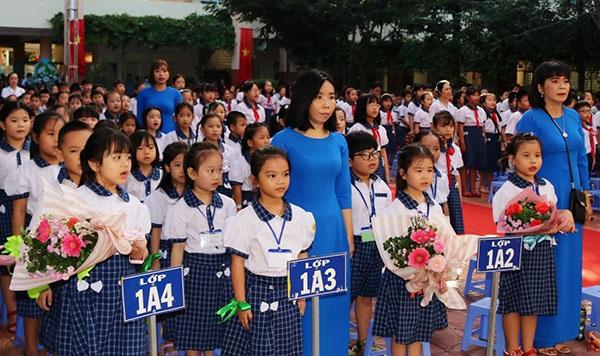 Học sinh lớp 1 Trường Tiểu học Võ Trường Toản trong ngày khai giảng năm học 2020-2021.
