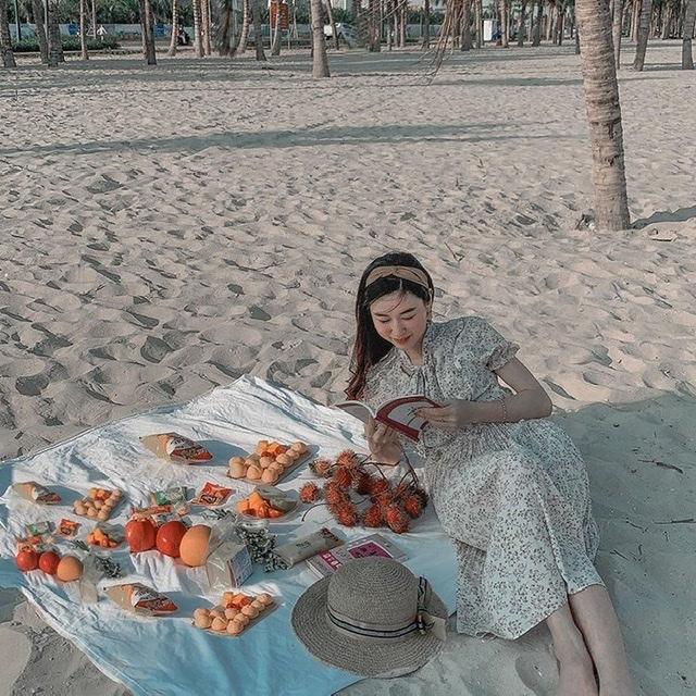 Tổ chức một buổi picnic trên biển cũng là gợi ý hay ho (Ảnh: hina.acs)