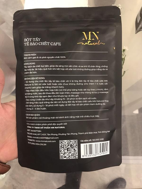 Trên sản phẩm ghi thành phần bột cám gạo và cà phê nguyên chất 100%_ không ghi ngày sản xuất và hạn sử dụng_ không có số lô sản xuất…