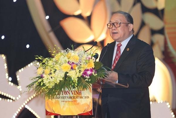 Chủ tịch Trung ương Hội Nông dân Việt Nam Thào Xuân Sùng phát biểu tại lễ tôn vinh