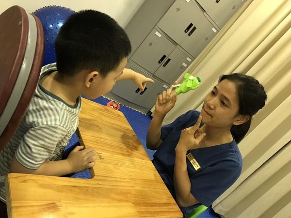 Kết hợp ghép tế bào gốc & giáo dục can thiệp cho trẻ tự kỷ đã đem lại sự tiến bộ rõ rệt về nhận thức, giao tiếp và kỹ năng sống cho trẻ