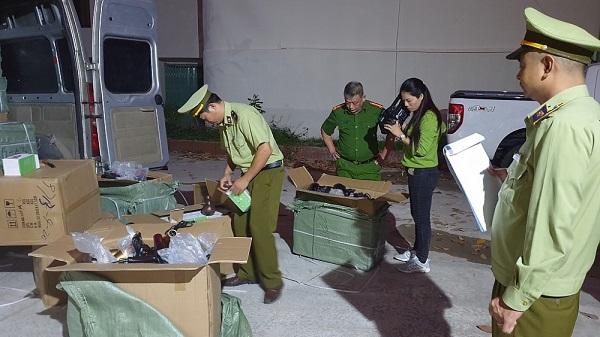 Lạng Sơn, tạm giữ 1.000 chiếc máy sấy tóc giả nhãn hiệu