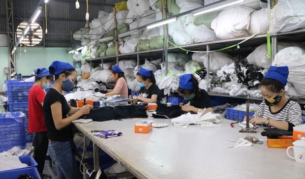Dây chuyền sản xuất của Công ty CP may  Peal Phú Thọ.
