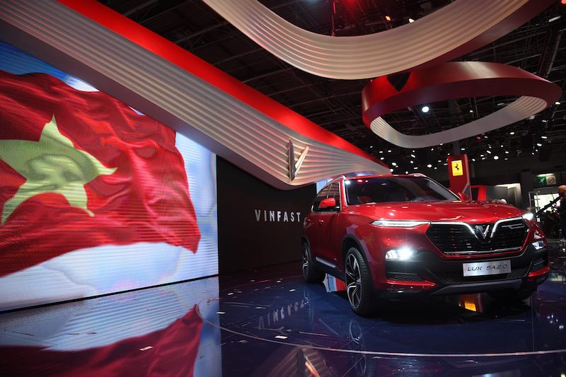 VinFast ra mắt các mẫu xe tại triển lãm Paris Motor Show 2018, chính thức đưa Việt Nam lên bản đồ ngành công nghiệp ô tô toàn cầu