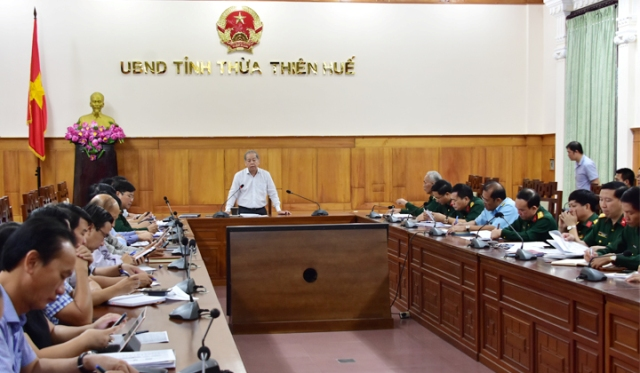 Chủ tịch UBND tỉnh TT Huế chủ trì cuộc họp các lực lượng bàn  phương án cứu nạn Rào Trăng 3 tại UBND tỉnh TT Huế