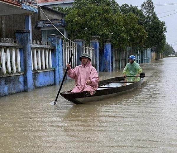 Miền Trung tiếp tục hứng mưa to dữ dội