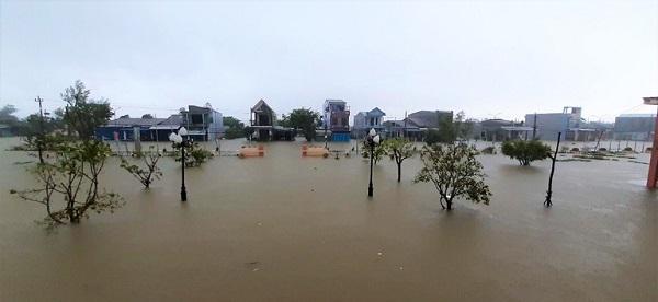 Rất nhiều địa phương huyện Quảng Điền, tỉnh Thừa Thiên- Huế bị ngập sâu trong lũ