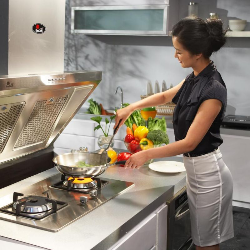 Nhiều sản phẩm mang thương hiệu Redsun mang tới cho không gian bếp ấm cúng, vẹn tròn