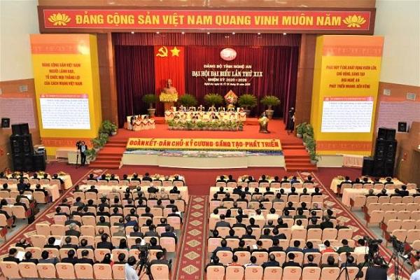 Toàn cảnh Đại hội đại biểu Đảng bộ tỉnh Nghệ An khóa XIX, nhiệm kỳ 2020-2025.