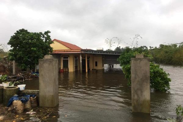 Nước lũ lên nhanh, hơn 34 ngàn nhà dân tại Quảng Bình bị ngập