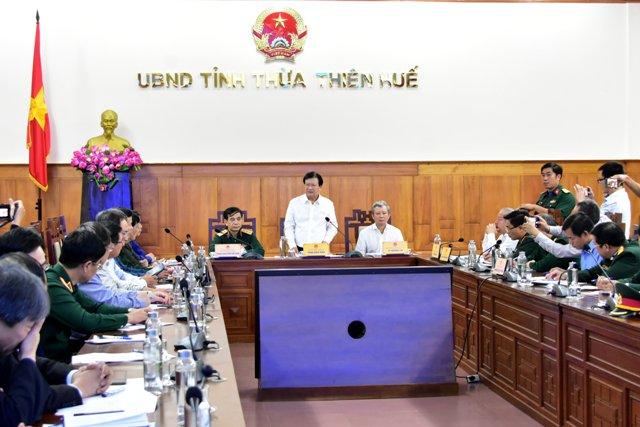 Phó Thủ tướng Trịnh Đình Dũng chủ trì cuộc họp cứu nạn, cứu hộ