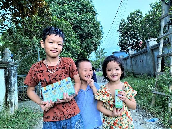 Tại Nghệ An, năm 2020, Vinamilk và Quỹ sữa Vươn cao Việt Nam cũng trao tặng gần 60.000 ly sữa cho hơn 660 trẻ em có hoàn cảnh khó khăn, với tổng giá trị khoảng 430 triệu đồng.