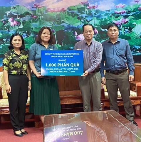 Tặng 1000 phần quà cho vùng lũ lụt tỉnh Quảng Trị