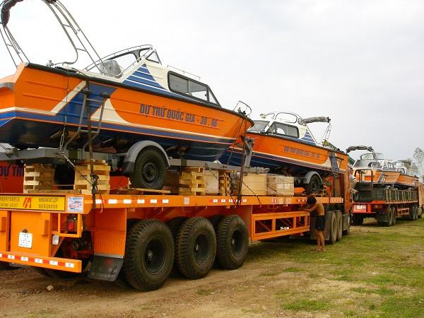 Khẩn trương xuất cấp trang thiết bị dự trữ hỗ trợ đồng bào miền Trung ứng phó với bão lũ