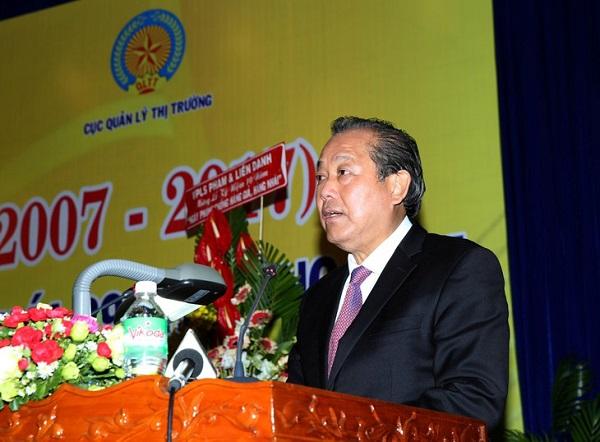Phó thủ tướng thường trực Trương Hòa Bình, Trưởng BCĐ 389/QG phát biểu chỉ đạo tại Lễ kỷ niệm 10 năm Ngày phòng chống hàng giả, hàng nhái (2017)