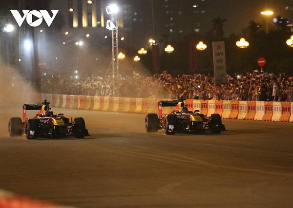 Việt Nam không nằm trong top 20 thị trường về lượt người xem môn thể thao đua xe công thức 1 (Ảnh: Ngọc Duy)