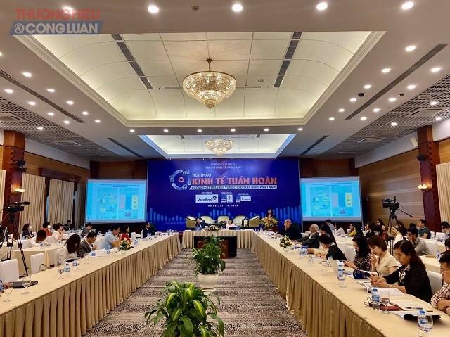"""Hội thảo """"Kinh tế tuần hoàn: Hướng phát triển bền vững cho doanh nghiệp Việt Nam"""" do Tạp chí Kinh tế và Dự báo, Bộ Kế hoạch và Đầu tư (KHĐT) tổ chức chiều 23.10.2020 tại Hà Nội"""