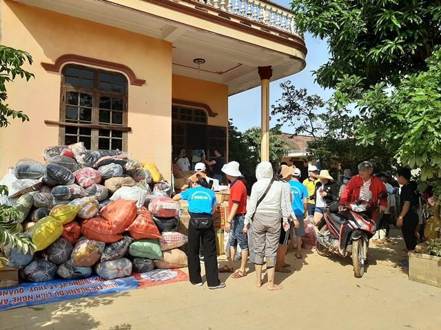 Những ngày này, người dân cả nước nói chung và Nghệ An nói riêng đang hướng về đồng bào miền Trung khắc phục hậu quả sau lũ lụt