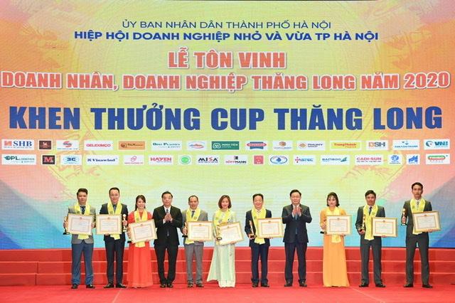 T&T Group và SHB vinh dự đón nhận Cup Thăng Long, tôn vinh những đóng góp của doanh nghiệp cho sự phát triển của xã hội