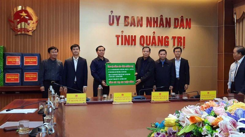 Tập đoàn Masan đồng hành cùng Bộ Nông nghiệp & Phát triển Nông thôn trao tặng 6 tấn thịt viên Heo Cao Bồi đến bà con vùng lũ
