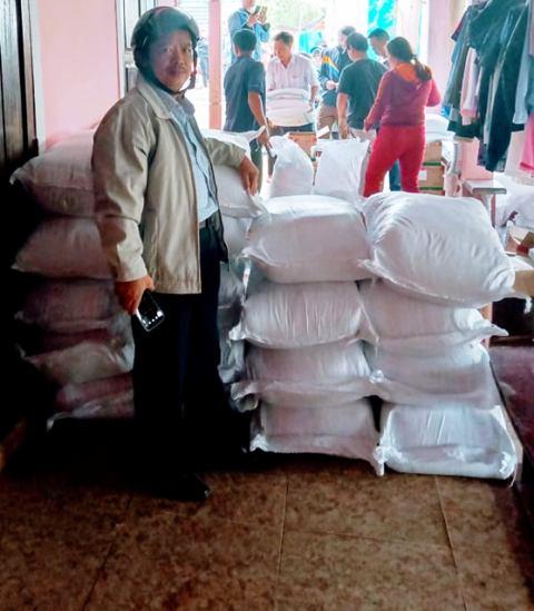 cám ơn các doanh nghiệp, cá nhân đã hỗ trợ giúp người dân khu vực 6 phường Vỹ Dạ (Huế)