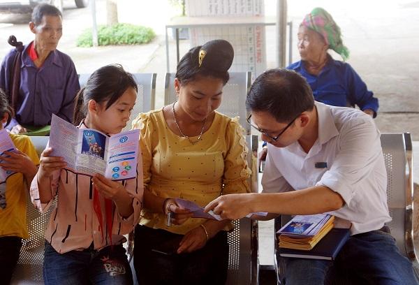 Đẩy mạnh công tác truyền thông trong phát triển người tham gia BHXH, BHYT, BHTN (Ảnh minh hoạ)
