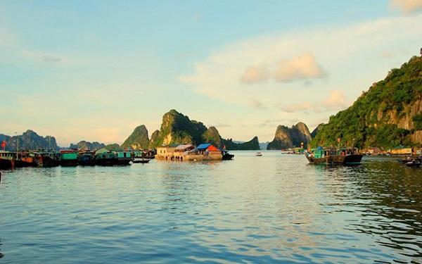 Kích cầu để phát triển du lịch Vân Đồn