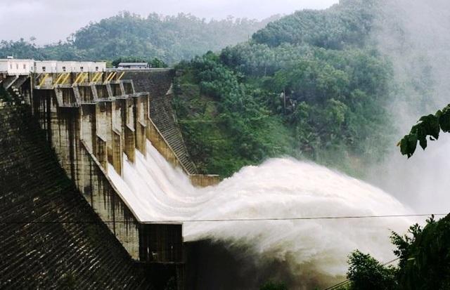 Thủy điện Đăk Mi 4 dự kiến xả lũ 11.400m3/s, Quảng Nam, Đà Nẵng đối mặt với ngập lụt –
