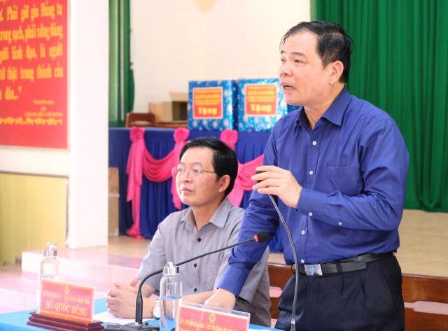 Đoàn công tác của Trung ương do Bộ trưởng Bộ nông nghiệp và Phát triển nông thôn Nguyễn Xuân Cường dẫn đầu làm việc tại Bình Định.