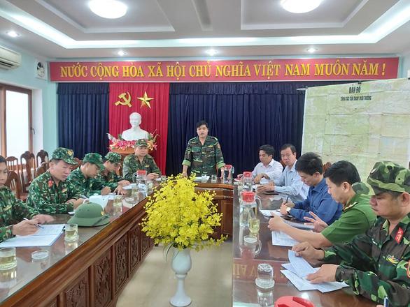 Cuộc họp đang diễn ra tại UBND huyện Phước Sơn