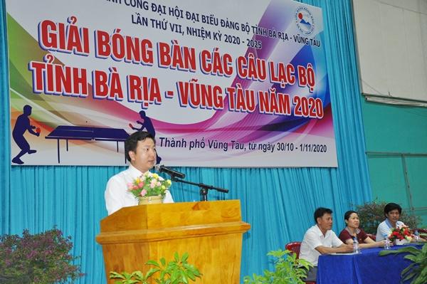Ông Phùng Nguyễn Tường Minh- Phó Giám đốc Trung tâm Huấn luyện và Thi đấu TDTT, Phó Trưởng ban Tổ chức giải phát biểu tại lễ khai mạc