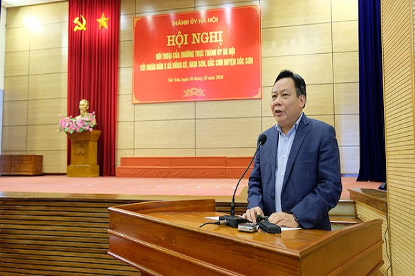 Phó Bí thư Thành ủy Hà Nội Nguyễn Văn Phong phát biểu kết luận hội nghị.