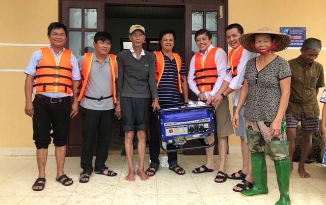 Hội Doanh Nghiệp Trẻ tỉnh TT Huế ủng hộ máy phát điện cho người dân