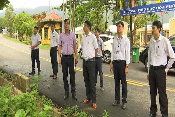 Thường trực Thành ủy Đà Nẵng, Huyện ủy Hòa Vang kiểm tra khu vực có nguy cơ sạt lở cao tại thôn Phú Túc (xã Hòa Phú).