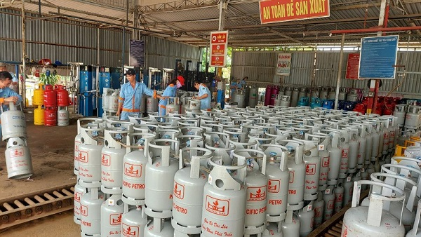Giá gas tăng thêm 19.000 đồng/bình
