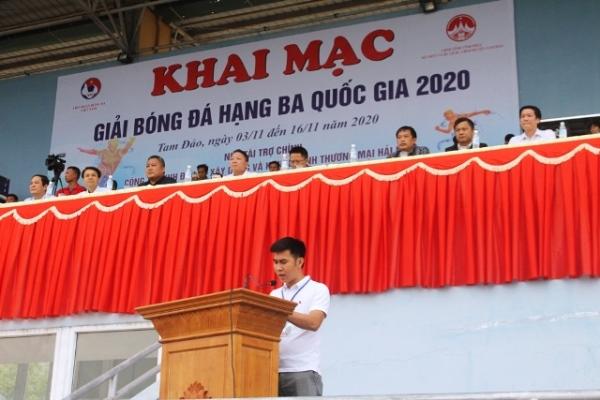 Đại diện Ban tổ chức giải đấu, ông Chu Anh Tú, Chủ tịch Câu lạc bộ Bóng đá Hải Nam Vĩnh Phúc phát biểu buổi lễ