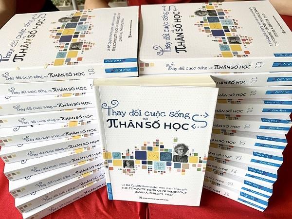 Cuốn sách Thay đổi cuộc sống với Nhân số học